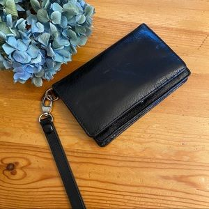 HOBO Ally patent leather phone wristlet